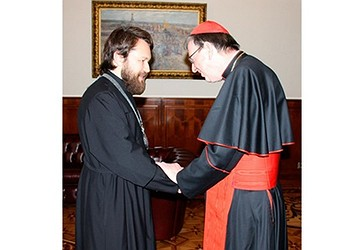 Kardinali Kurt Koch me Hilarion