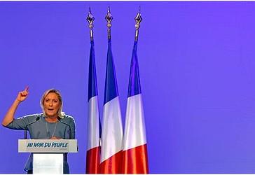 Më 18 shtator 2016, Kryetarja e Partisë së Frontit Nacionalist Francez, Marine Le Pen ka mbajtur një fjalim në një tubim partiak në Frejus, Francë. (Foto nga Reuters)