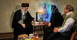 Imam Khamenei viziton një familje të krishterë në prag të Krishtlindjes.