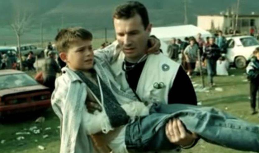Djegia e foshnjës së gjallë në Gjakovë të Kosovës, 1 prill 1999!!!